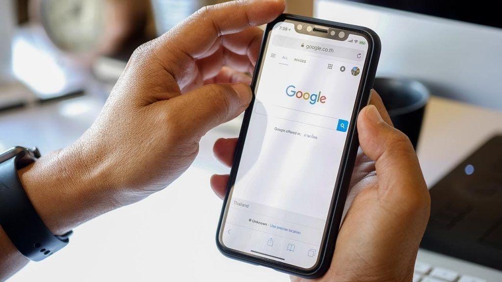 Vì sao cần phải xóa lịch sử tìm kiếm trên điện thoại iPhone?